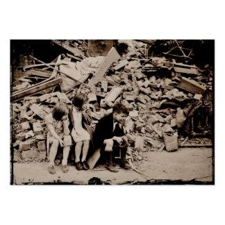 Niños en los escombros plantillas de tarjetas personales