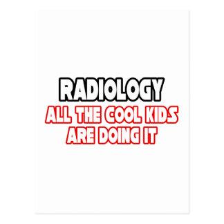 Niños frescos de la radiología… postal