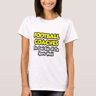 Niños frescos de los entrenadores de fútbol… del camiseta