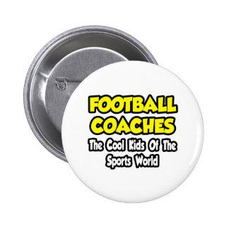 Niños frescos de los entrenadores de fútbol… del m pin