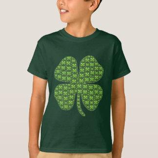 Niños irlandeses afortunados del trébol verdes camiseta