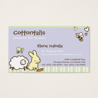 Niños y tarjeta de la familia con los animales