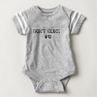 No centelle el engranaje del bebé body para bebé