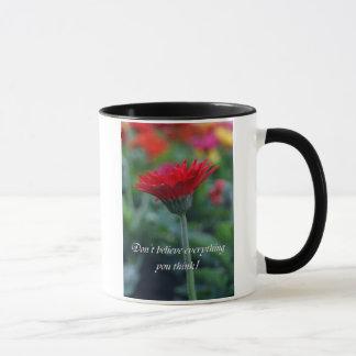 No crea que todo usted piensa la taza de café