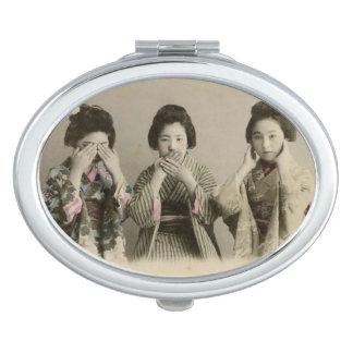 No hable ningún espejo compacto malvado