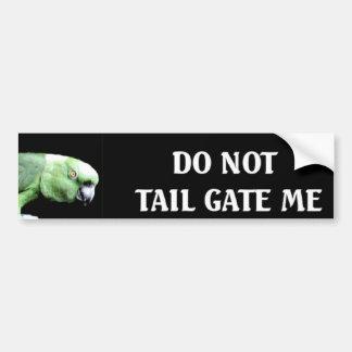 No hace la puerta posterior yo etiqueta de parachoque