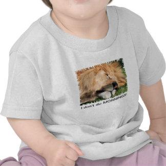No hago la camiseta del niño del león el dormir de