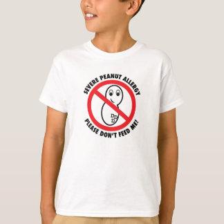¡No me alimente por favor! La camiseta del niño