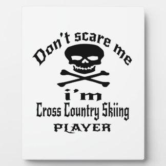 No me asuste que soy jugador del esquí del campo a placa expositora
