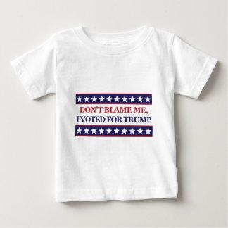 No me culpe que voté por triunfo camiseta de bebé