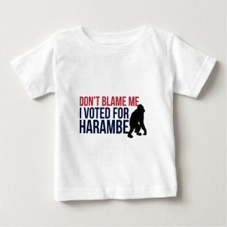 No me culpe. Voté por Harambe Camiseta De Bebé