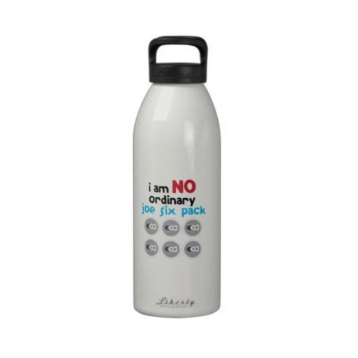 No ordinario botella de agua