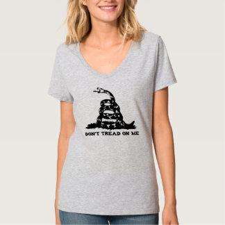 No pise en mí la camiseta con cuello de pico