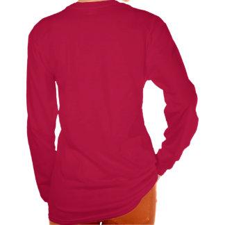 No una manga larga roja de las señoras de la camiseta