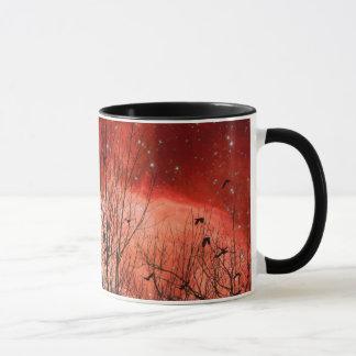 Noche estrellada roja surrealista taza