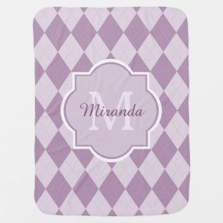 Nombre femenino púrpura suave de muy buen gusto mantita para bebé
