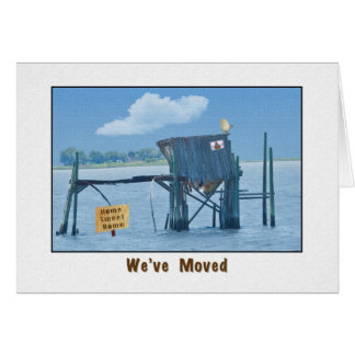 Nos hemos movido, casa divertida tarjeta de felicitación