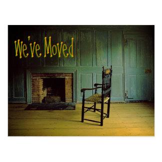Nos hemos movido - silla sola postal