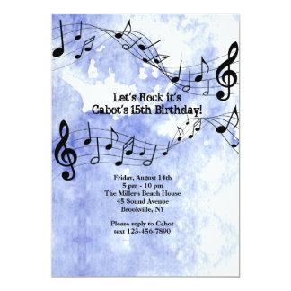 Notas de la música sobre fondo azul invitación 12,7 x 17,8 cm