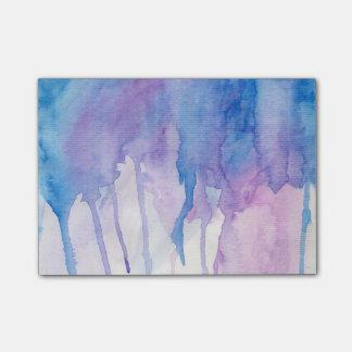 Notas de post-it azules y púrpuras de la acuarela