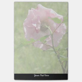 Notas de post-it color de rosa rosadas