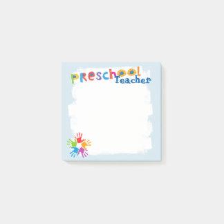 Notas de post-it preescolares del profesor