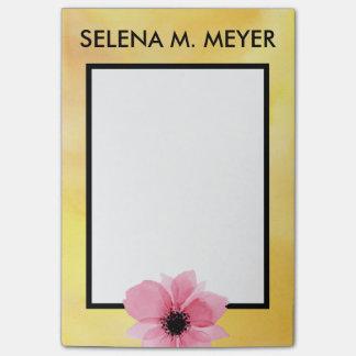 Notas Post-it® Amarillo conocido de encargo del rosa de la flor
