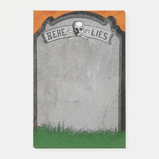 Notas Post-it® Bandera pirata grave del cráneo de la piedra