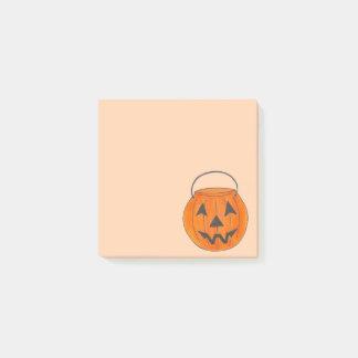 Notas Post-it® Cubo anaranjado Halloween de la calabaza de la
