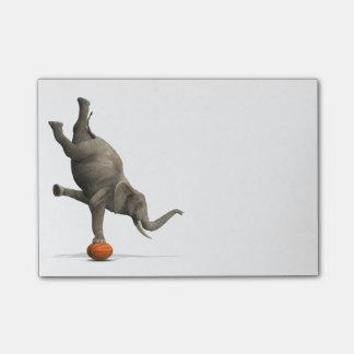 Notas Post-it® Elefante artístico