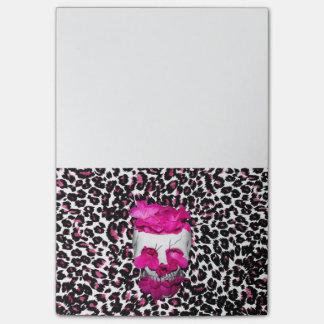 Notas Post-it® Flores del cráneo w/Pink en estampado leopardo