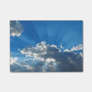 Notas Post-it® Fractura a través de las nubes