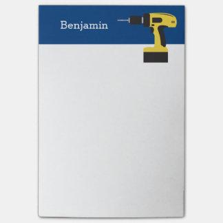 Notas Post-it® Taladro eléctrico con nombre de encargo - amarillo