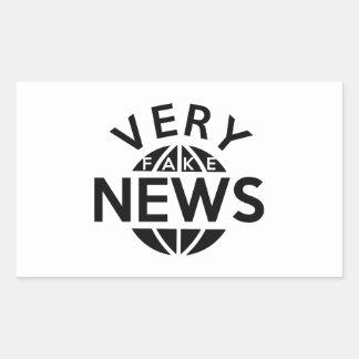 Noticias muy falsas pegatina rectangular
