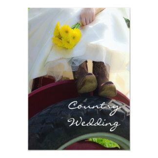Novia en la invitación del boda del país del