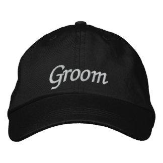 Novio bordado casando la gorra de béisbol/el gorra