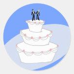 Novios del pastel de bodas dos pegatina redonda