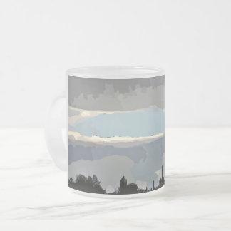 Nubes de la monzón en taza helada aceite
