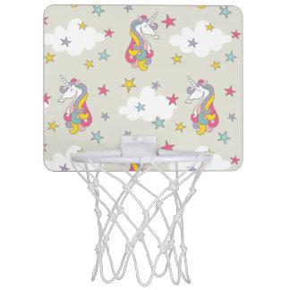 Nubes de los arco iris del unicornio y estrellas mini tablero de baloncesto