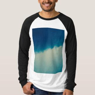 Nubes largas de la manga camisetas
