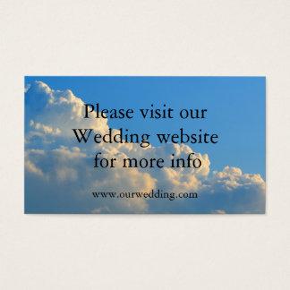 Nubes que casan la invitación de boda