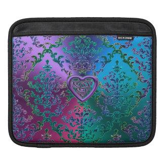 Nudo céltico del corazón en el damasco metálico funda para iPad