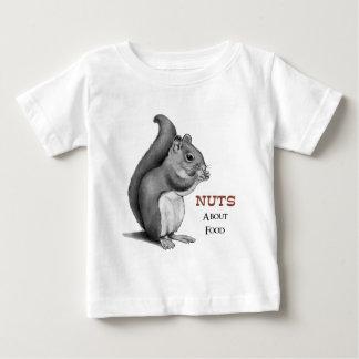 Nueces sobre la comida: Ardilla: Dibujo de lápiz Camiseta De Bebé