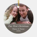 Nuestra primera foto del navidad - escoja echado a ornamentos de reyes magos