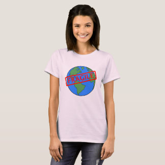 Nuestra tierra es camiseta frágil