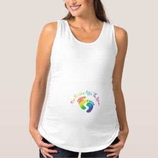 Nuestro arco iris después de las camisetas sin