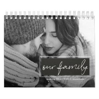 Nuestro calendario de la foto de la escritura de