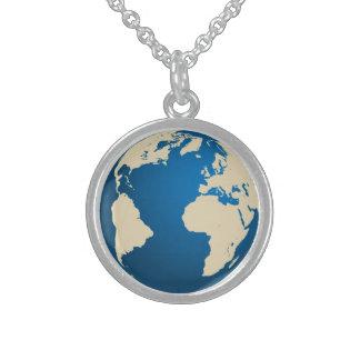 Nuestro planeta collar de plata de ley