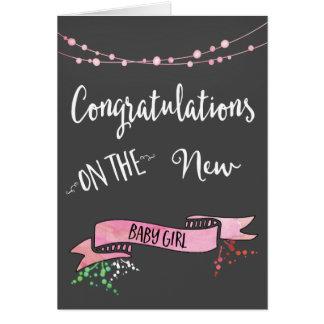 Nueva enhorabuena rosada bonita de la niña tarjeta de felicitación