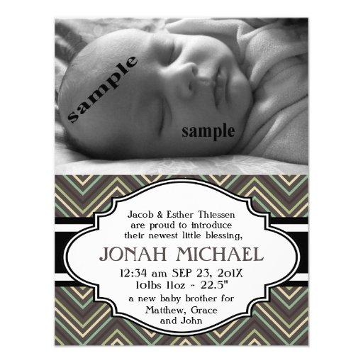 Nueva invitación del nacimiento del bebé o del chi